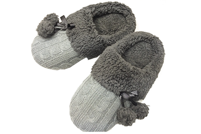 8 AS 0241 Ladies' Cable Knit Mule Slippers with Pom Pom